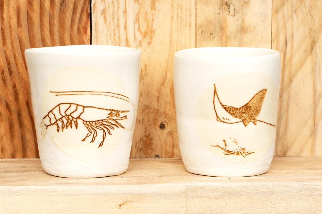 transfert photo raie léopard et crevette sur gobelet en porcelaine