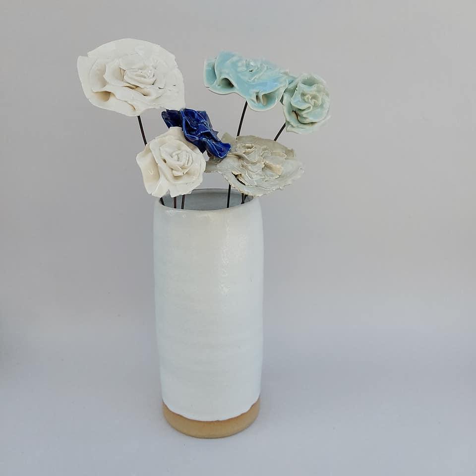 Fleurs en porcelaines roses